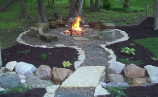Backyard-Landscaing-Ideas-Attractive-Fire-Pit-Designs-Homesthetics-7
